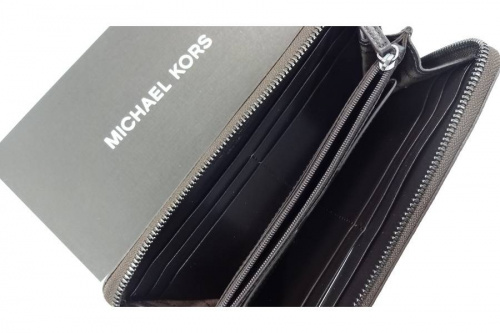 財布のMICHAEL KORS