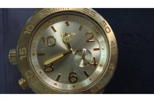 腕時計のNIXON