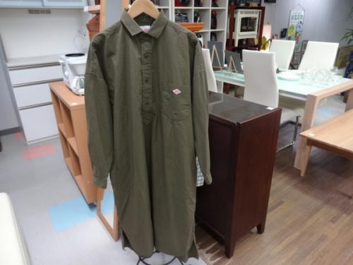 レディースファッションのシャツワンピース