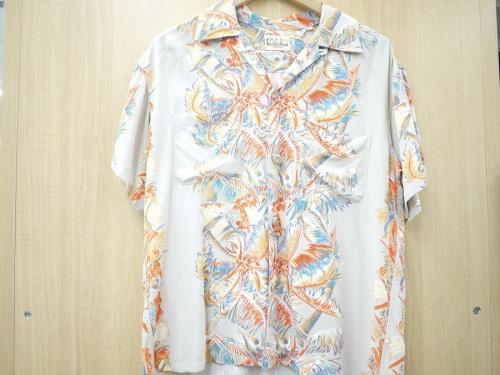 シャツのDUKEKAHANAMOKU