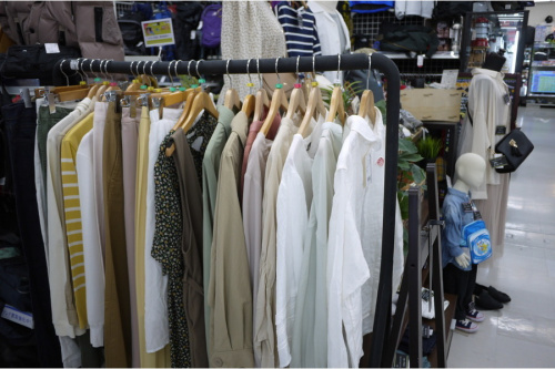 YOUNG & OLSEN The DRYGOODS STOのデニムコート
