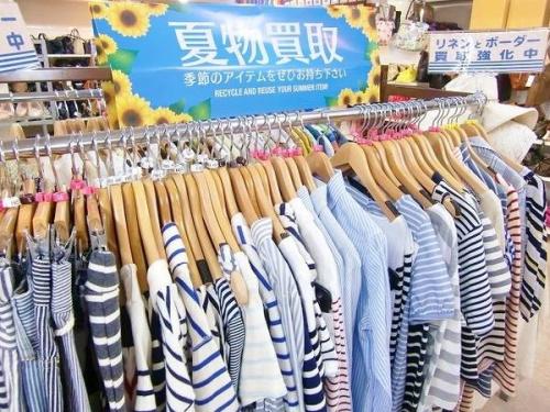 夏物衣類の町田古着