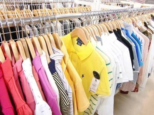 ポロシャツのラコステ(LACOSTE)