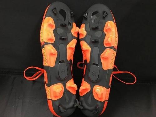 野球・サッカーのアディダス(adidas)