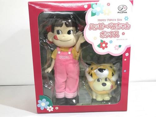 ペコちゃんの人形