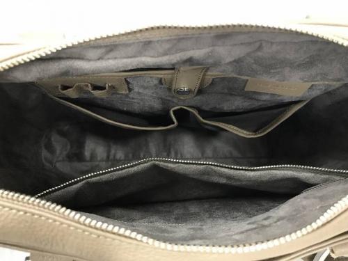 靴のブリーフケース