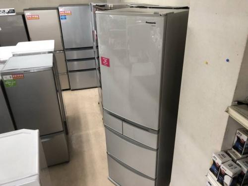 生活家電の5ドア冷蔵庫