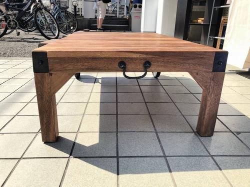 トロリーテーブルの町田テーブル