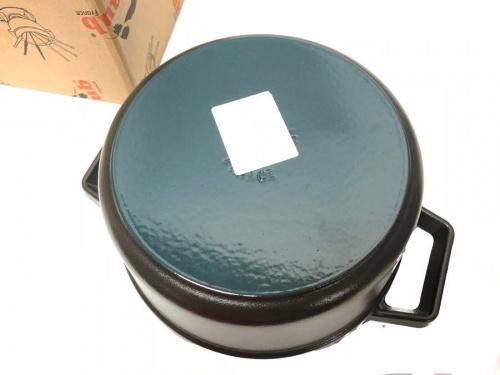 ホーロー鍋のSTAUB