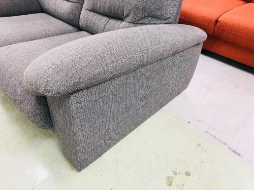 2人掛けソファーのグレー