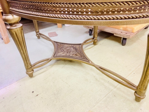 アンティークのアンティーク風テーブル