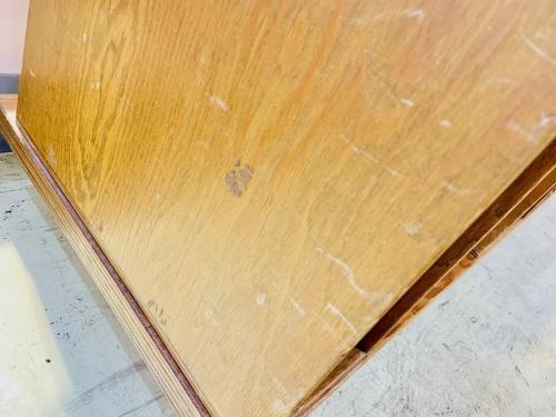 アシンメトリーデザインの合板