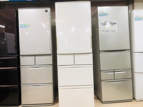 冷蔵庫の両開き5ドア冷蔵庫