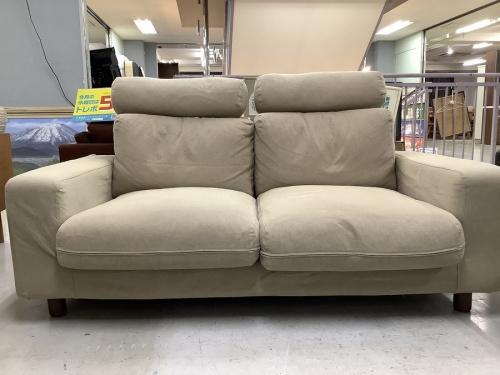 2人掛けソファーの家具