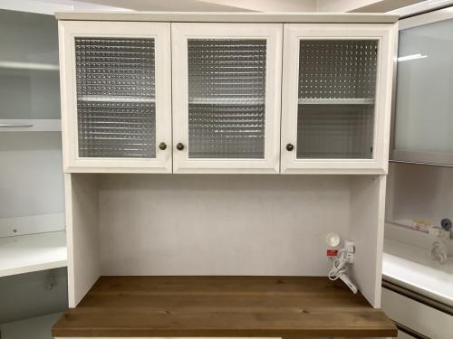カントリー調レンジボードの家具
