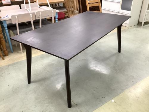 ダイニングテーブルのシギヤマ家具