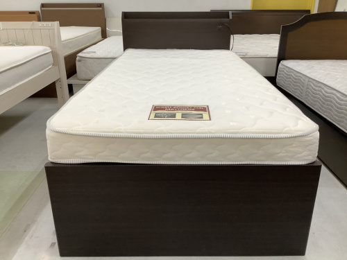 ニトリのシングルベッド