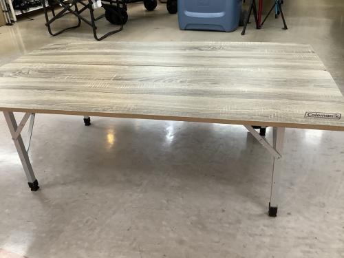 Coleman(コールマン)のリビングテーブル