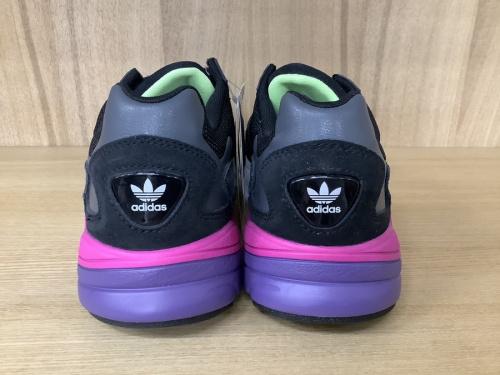 adidasの町田 古淵 矢部 相模大野 座間 スニーカー 買取