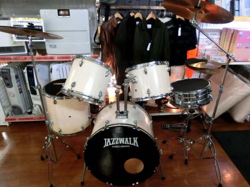 ドラムのドラムセット