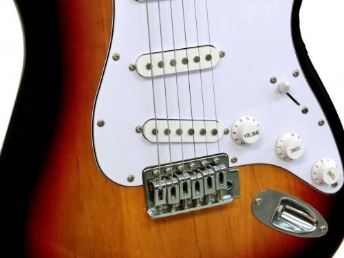 税込5000円以下で買えるギターのエレキギター