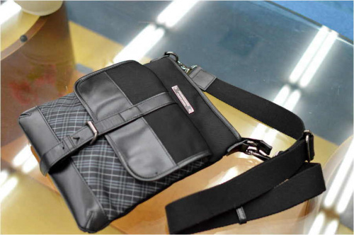 ルイヴィトン(LOUIS VUITTON)のBURBERRY BLACK LABEL