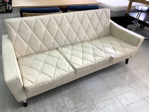 生活家具のカリモク60