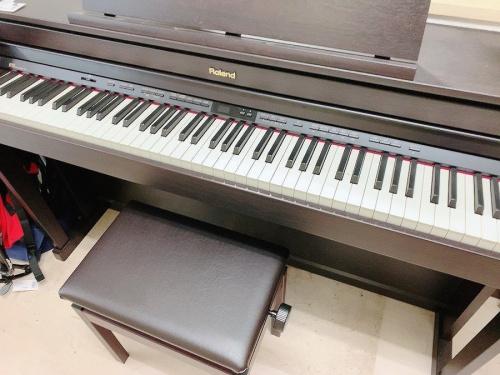 ROLAND ローランドの電子ピアノ HP505