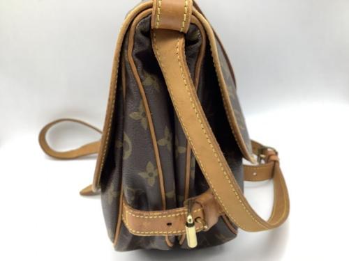 ショルダーバッグのバッグ