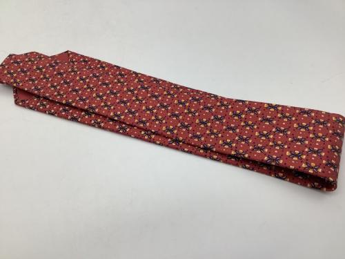 ネクタイの服飾小物