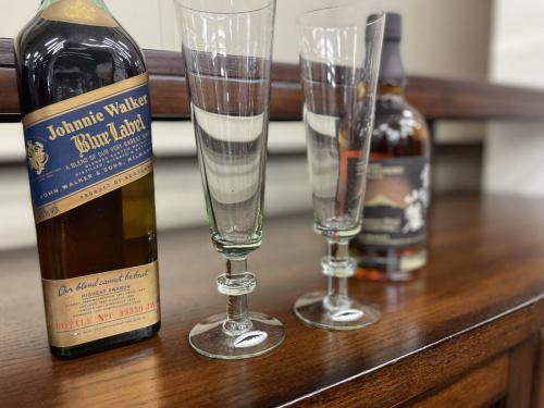 ウィスキーのグラス