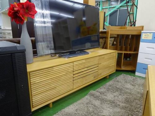 テレビ台のkarimoku