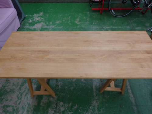 草加のカウンターテーブル