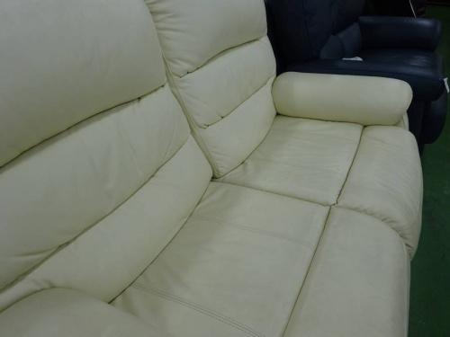 草加のソファー