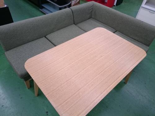 ダイニングのソファ