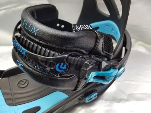 FLUXのスノーボード