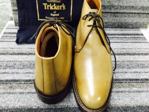 Trickersのチャッカブーツ