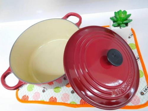 洋食器の鍋