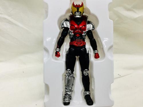 おもちゃの仮面ライダーキバ