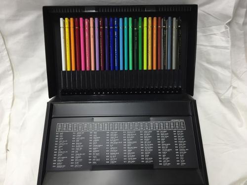 文房具のユニカラー100色 色鉛筆