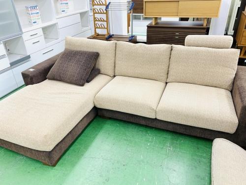 家具のカウチソファー