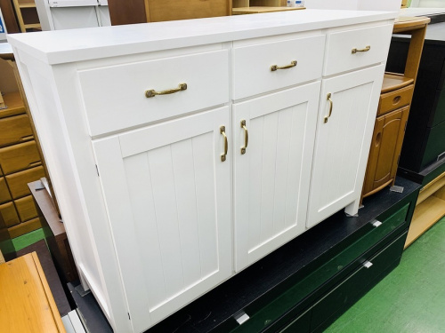 家具のサイドボード