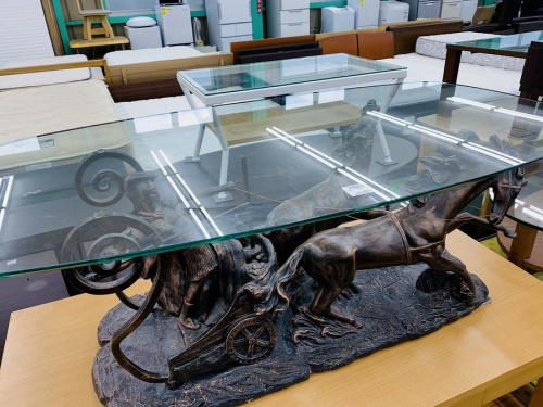 生活家具のガラステーブル