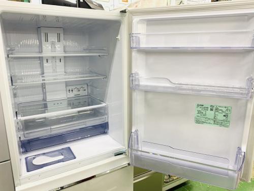 MR-CX33C-Wの3ドア冷蔵庫