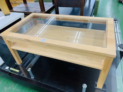 家具のローテーブル