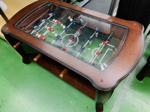 テーブルのサッカーゲーム付テーブル
