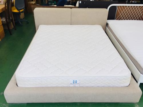 ベッドのキングベッド