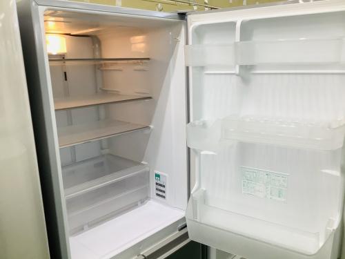 4ドア冷蔵庫のSHARP