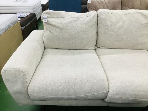 ソファーのカバーリングソファ