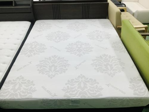 ベッドのワイドダブルベッド